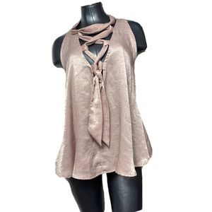 VOCAL Voice Of California Pink Lace Chest Top
